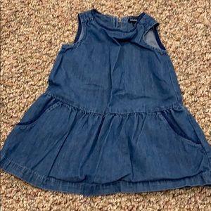 Baby GAP chambray dress with pockets